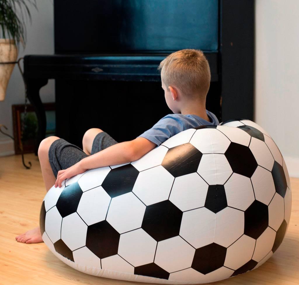 Что подарить футбольному болельщику +16 крутых идей