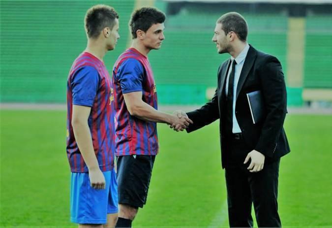 Как стать футбольным тренером?