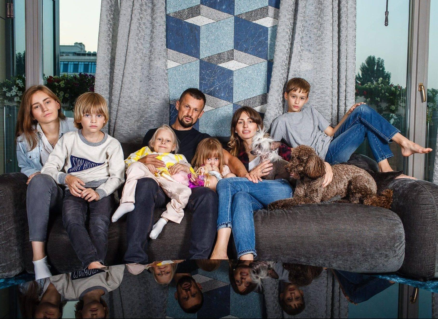 Достойная жена и семеро детей сергея семака