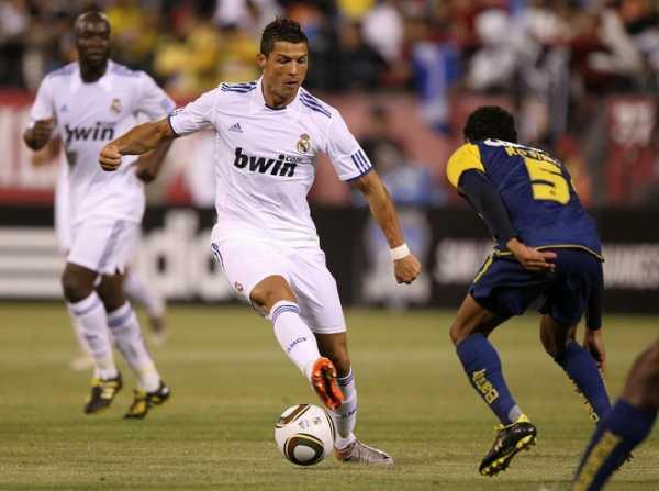 Дриблинг в футболе: как правильно вести мяч