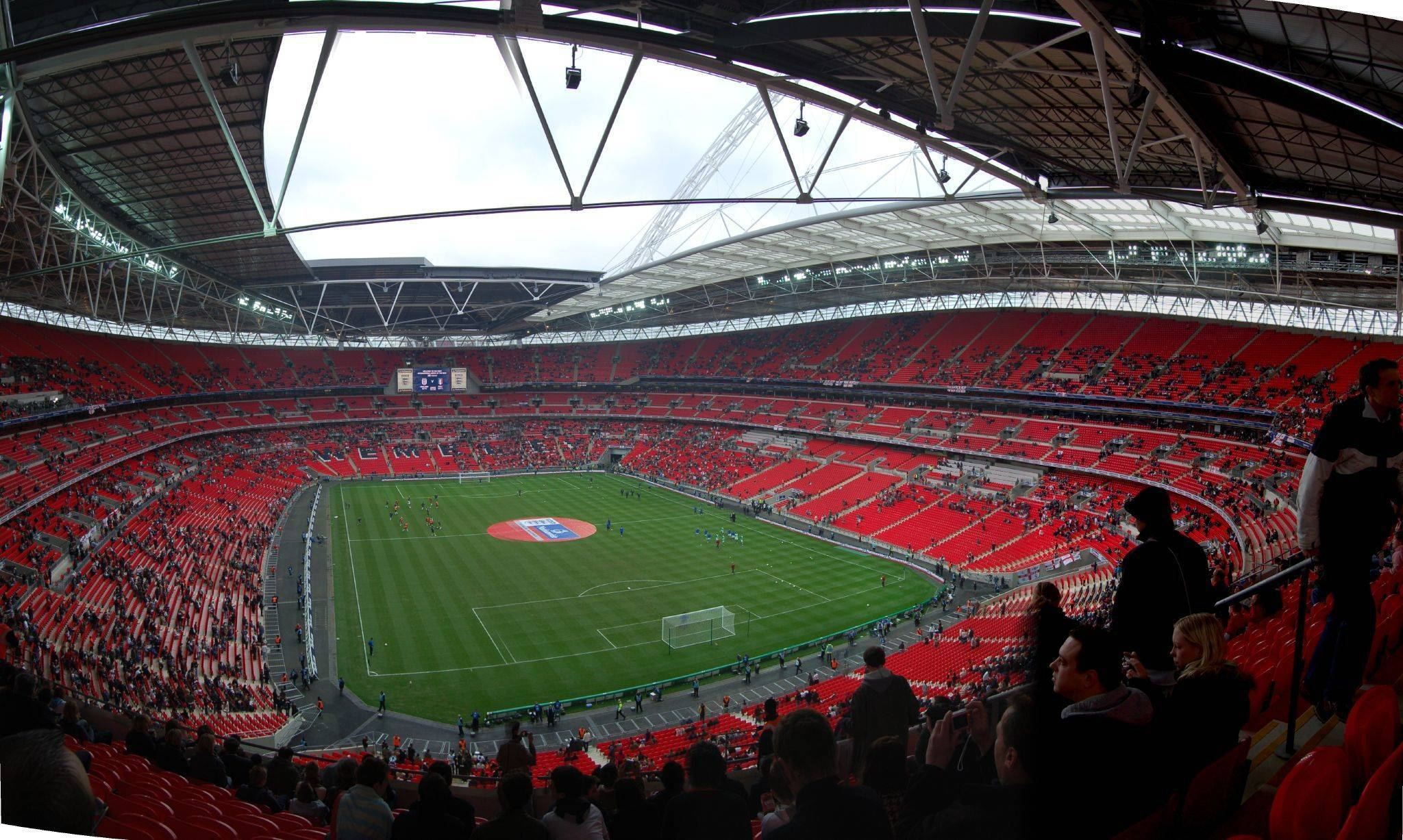 Топ-10 стадионов англии