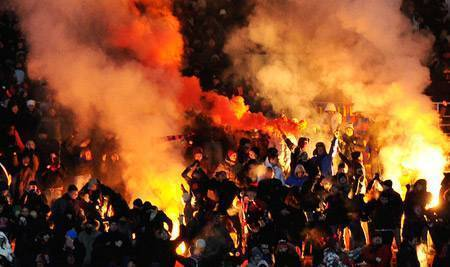 Hope not hate: футбольные хулиганы будут нападать на манифестантов black lives matter в лондоне