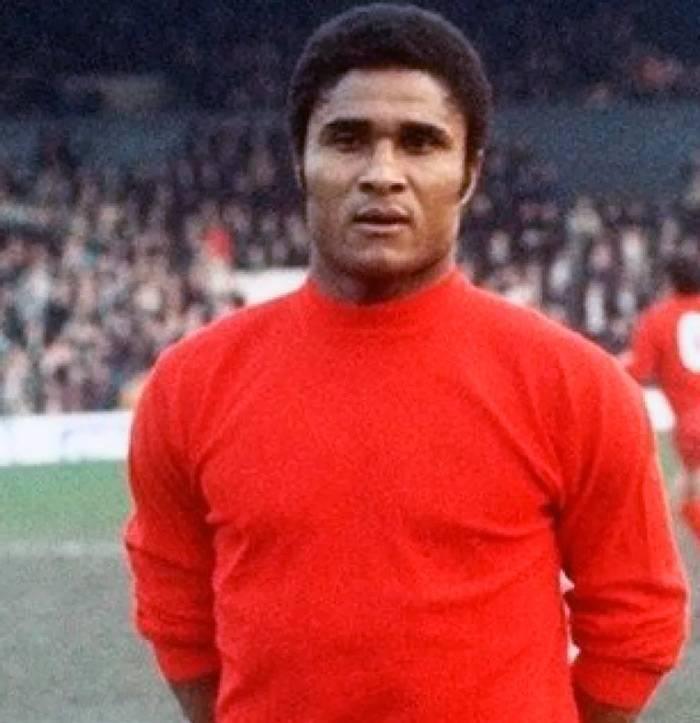 10 самых переоценённых футболистов всех времён