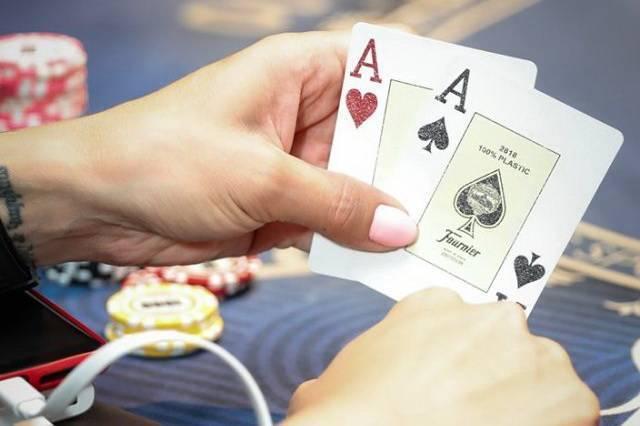 Покер в футболе — что означает этот термин?