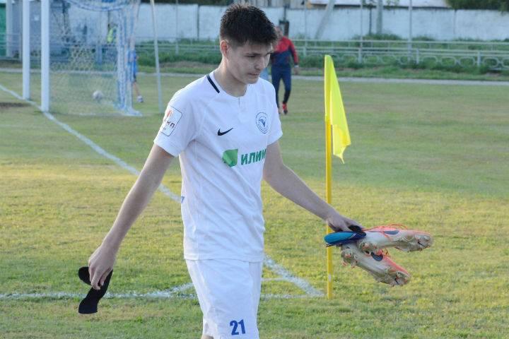 Зарплаты футболистов в россии