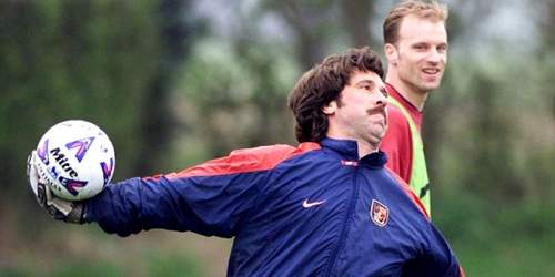Какой игрок влюбил вас в футбол? новое ностальжи авторов sports.ru – рассказывайте и вы
