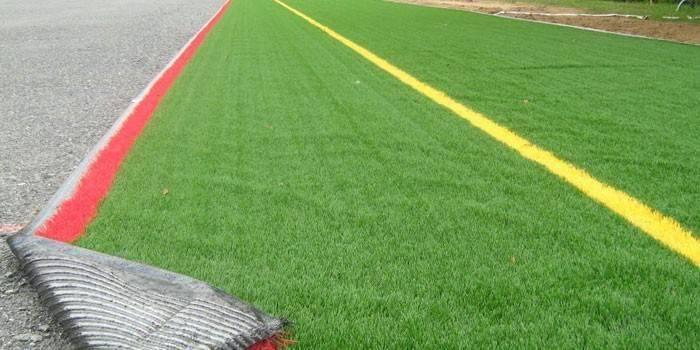 Укладка искусственного газона: улаживаем искусственную траву