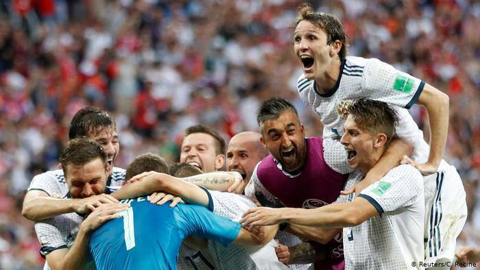 Топ великих футболистов мира. самые известные футболисты в мире: фото с именами