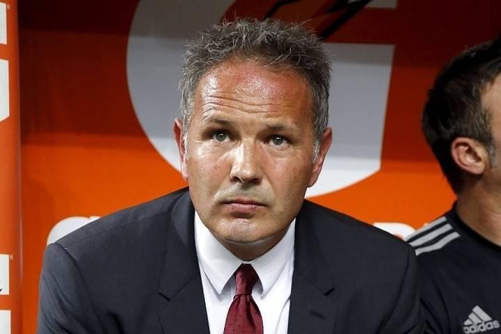 Больной раком синиша михайлович руководил «болоньей» в матче серии а. как тренер борется с болезнью