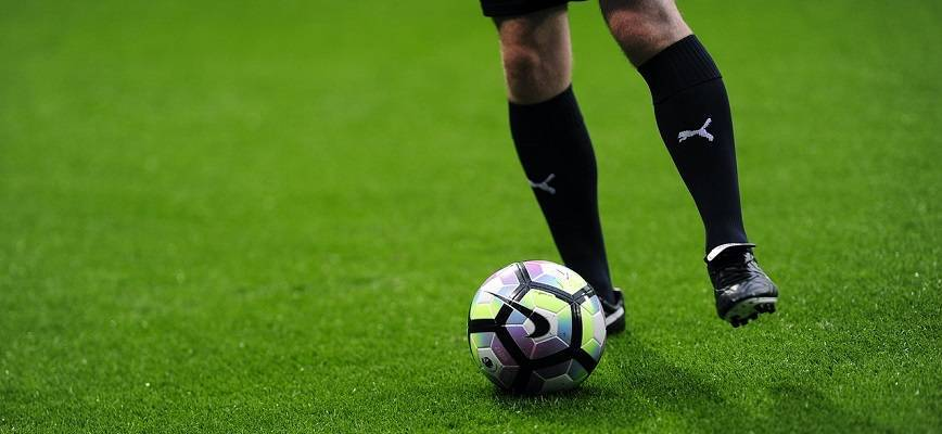 Передачи в футболе: основные виды и классификации