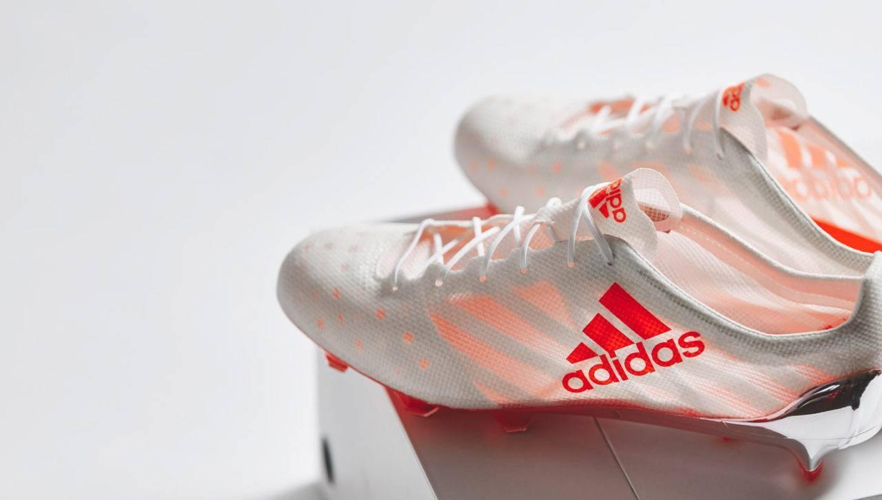 Критерии выбора футбольных бутс, лучшие бренды и легендарные модели
