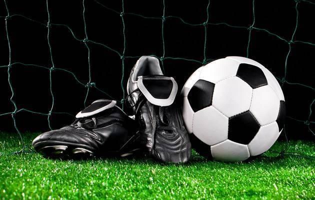 Что подарить мужчине футболисту
