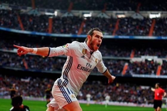 Самые лучшие футболисты в мире: топ 10