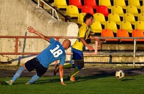 Зачем профессиональные футболисты играют в любительских лигах? кайфуют, поддерживают форму, получают больше, чем в пфл