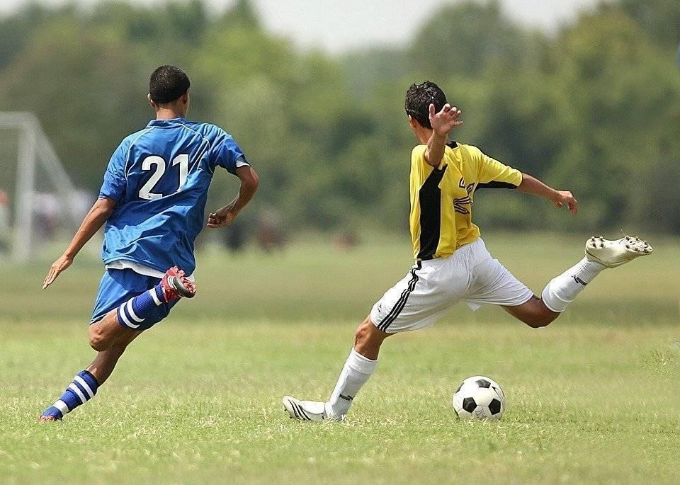 Как выбрать футбольные щитки правильного размера ребенку и взрослому