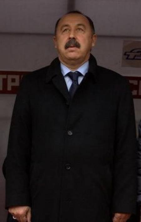 Футбольный тренер валерий газзаев