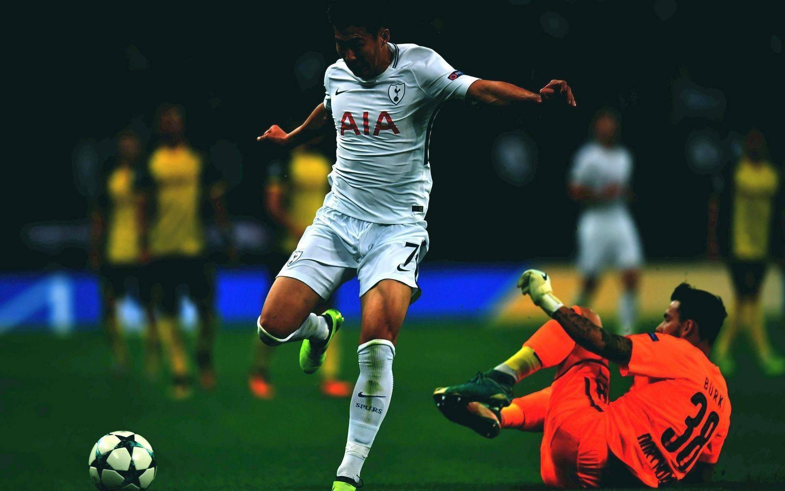 Удары в футболе: виды, способы, классификации