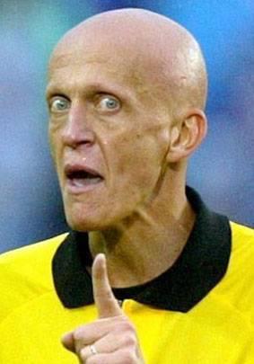 Лысый судья в футболе итальянец. знаменитый лысый судья в футболе. «судейство -это не хобби!»