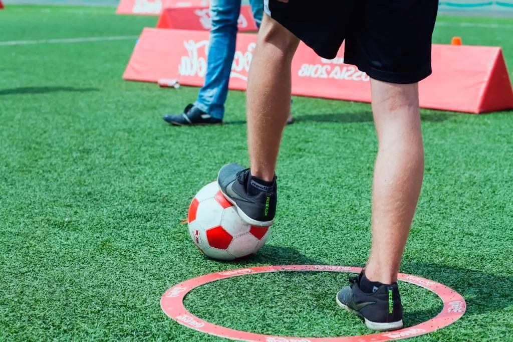 Пас (футбол)