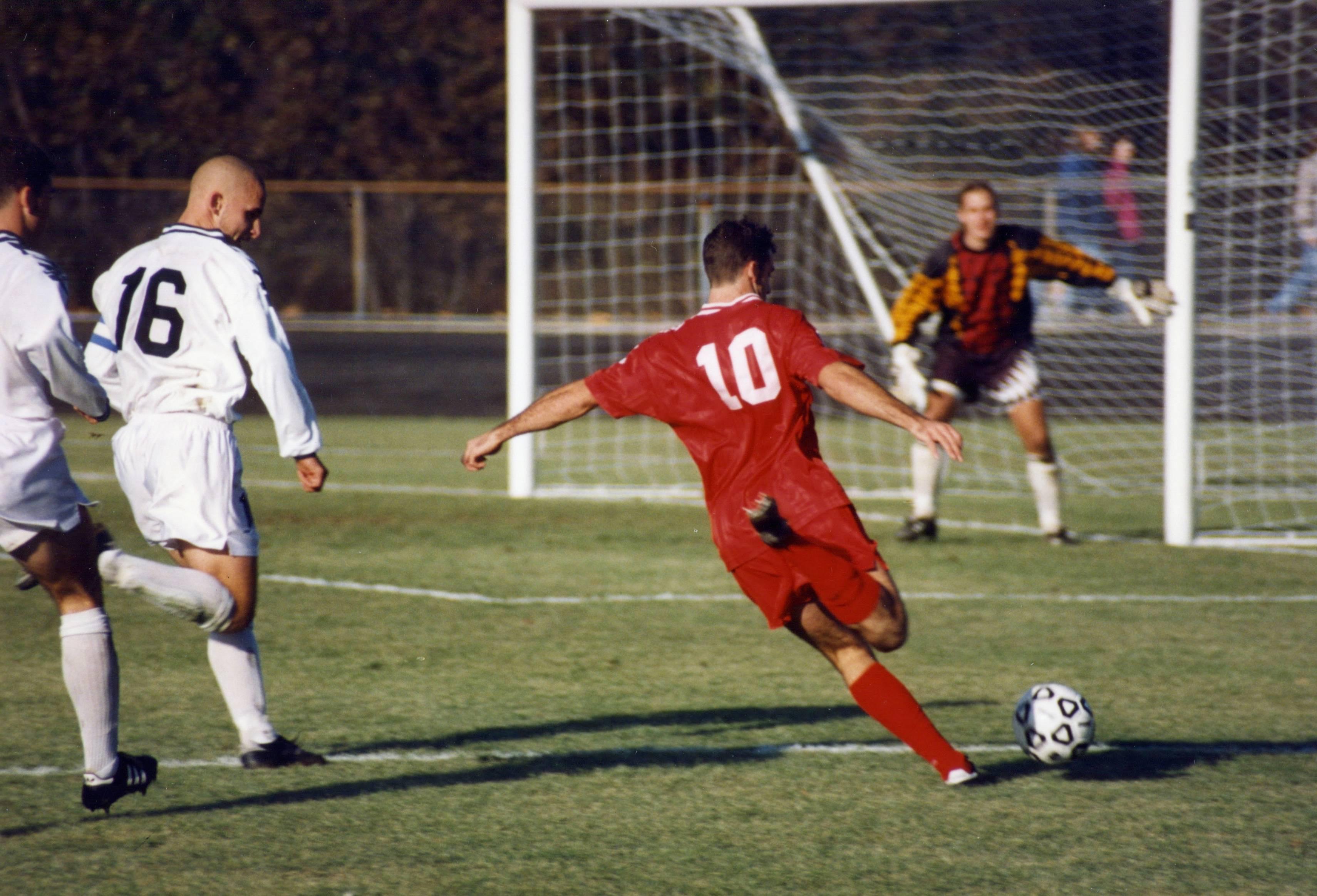 Прессинг в футболе: виды, плюсы и минусы