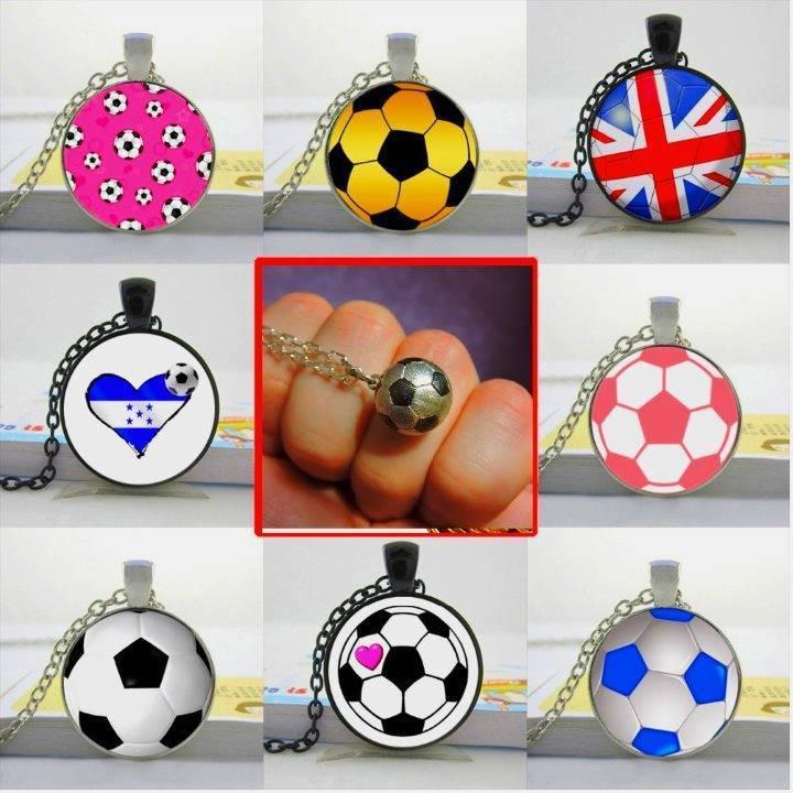 Футбольные подарки для мужчин. футбольным фанатам (универсальные подарки)
