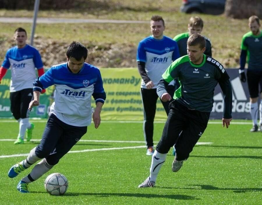 Как научиться играть в футбол? правила футбола