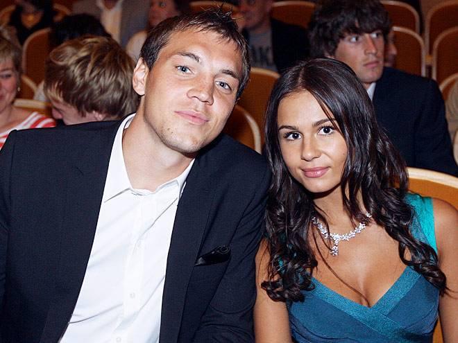Жены футболистов сборной россии: они вдохновили мужей на подвиг на чемпионате мира