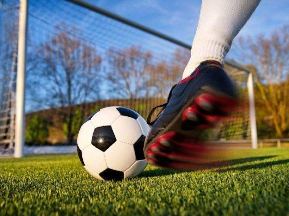 Желтая карточка в футболе – ее история появления и значение